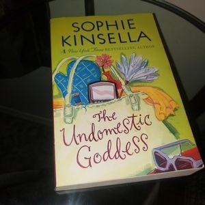 BOGO Sophie Kinsella The Undomestic Godess Novel